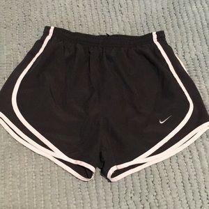 Nike TEMPO shorts 🌚